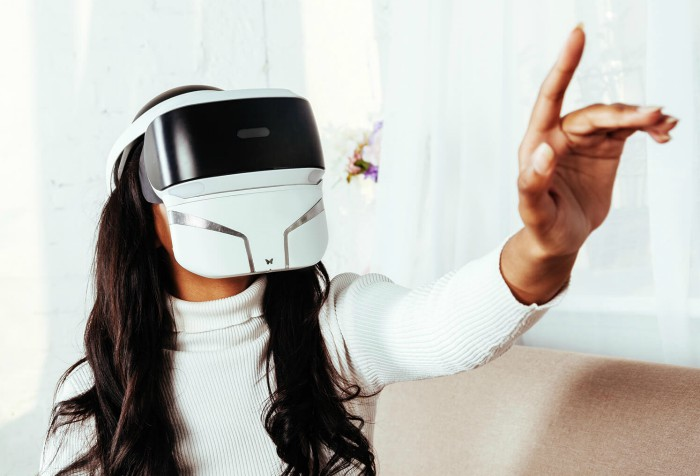 feelreal - first multi sensory vr mask