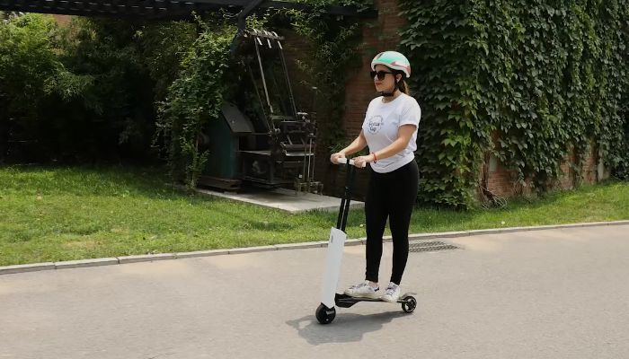 mantour x lightweight foldable self-balancing e-scooter