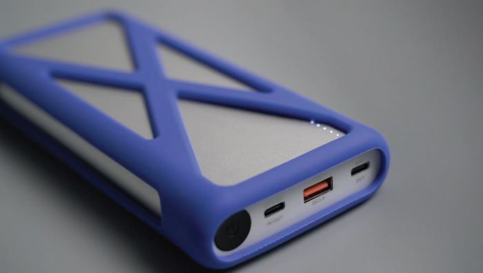 zirux power x rugged 137w pd charging laptop power bank